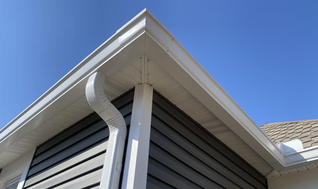 corner of white gutter in Des Moines